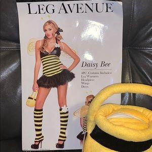 NWT Halloween costume Daisy Bee